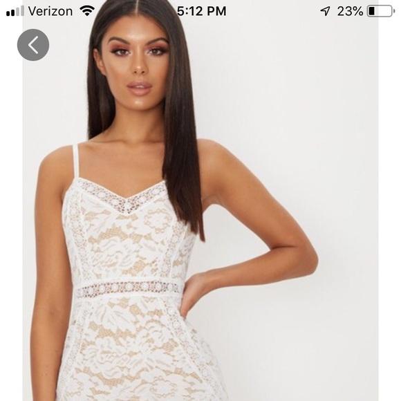 5dfb504847 White Strappy Lace Contrast Bodycon Dress US2=UK6.  M_5c7b2ab2035cf19f82bde863